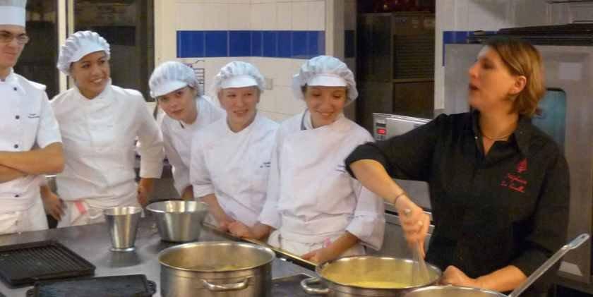 stéphanie Lequellec en cuisine